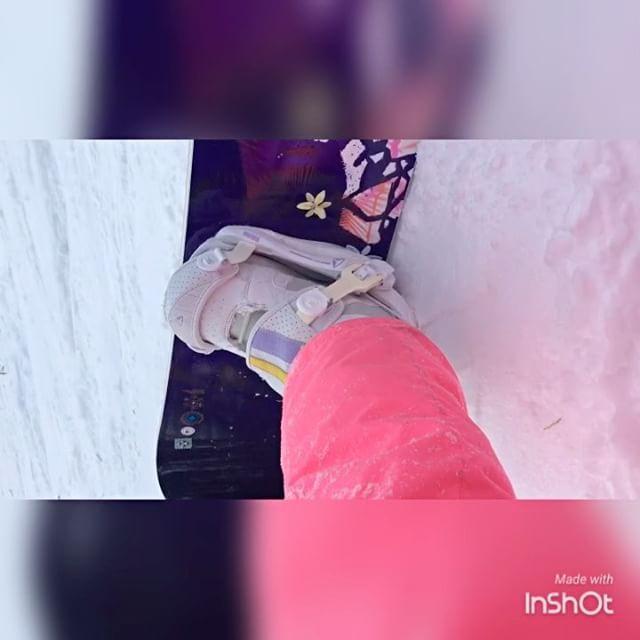 Покорение 😅леса и трамплина 🏂🎄🌲🌳накатались от души!)) и кстати трамплин мне всё-таки покорился! Жаль видяшки не осталось🎬 Систер с тебя видео☝🏼😉 @marusyailina #happy #snow #snowboarding #newyear2017 #snowboard #sister #sisters #завьялиха #глкзавьялиха #горнолыжка #трамплин #лес #кайф #развлечения #систр #сестра #сестры