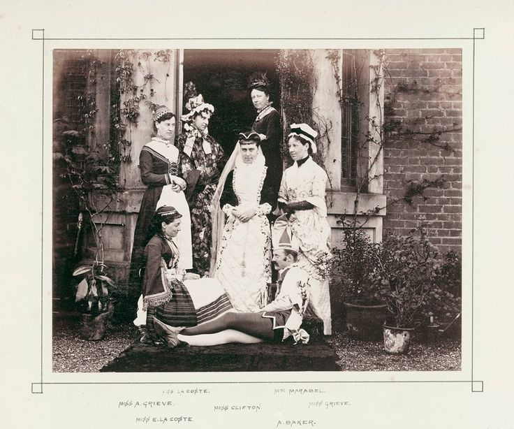 Picturing England: photographs of English life