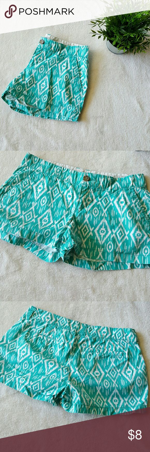 Blue aztec print shorts Blue and white aztec print shorts. Old Navy Shorts