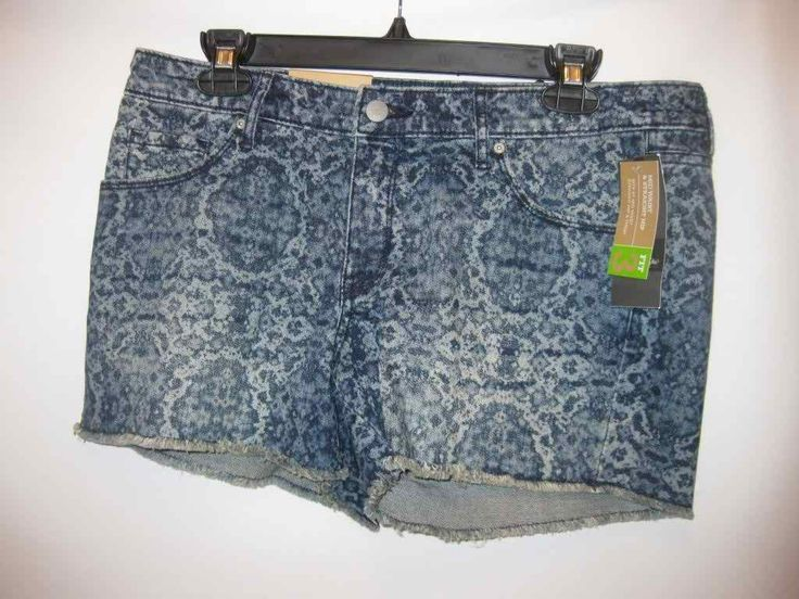 New Mid Waist and Straight Hip Mossimo Denium Jean Shorts Size 10