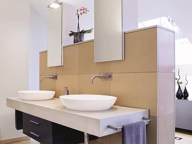 Pin Von Isabelle Auf Haus Schrage Wande Doppelwaschtisch Badezimmer