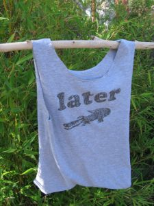 Tee bags: a tutorial to recycle a tee shirt into a shopping bag | Wild Onion