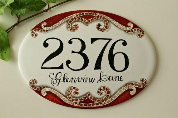 Targha numero civico con indirizzo in porcellana dipinta a mano. Decorazione a mosaico