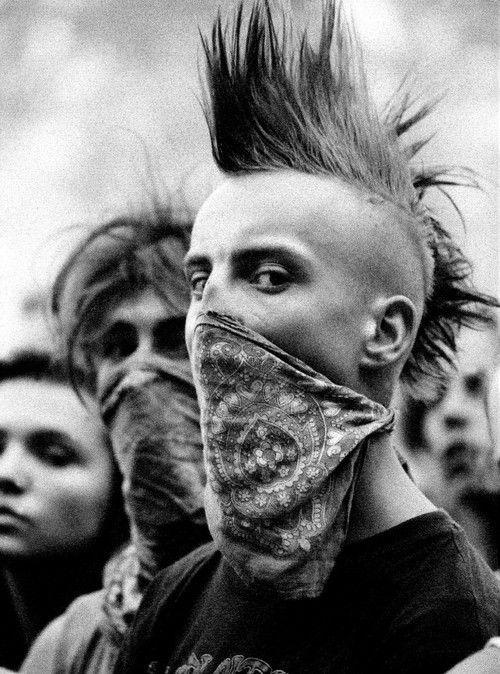 revolution | punks | mohawk | black & white photography | powerful image | look | bandana | skinheads |