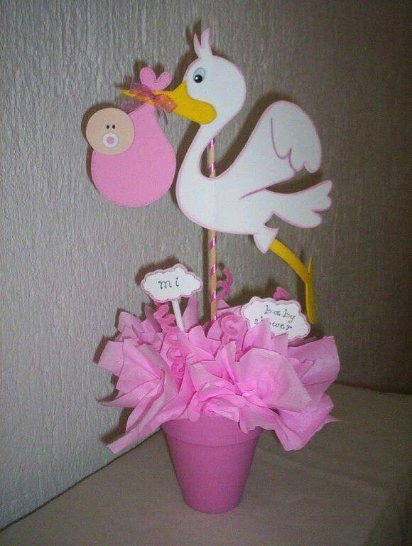 Dos de los materiales más económicos para hacer decoraciones de fiesta son el foamy y la cartulina. Además son muy versátiles y fáciles de ...