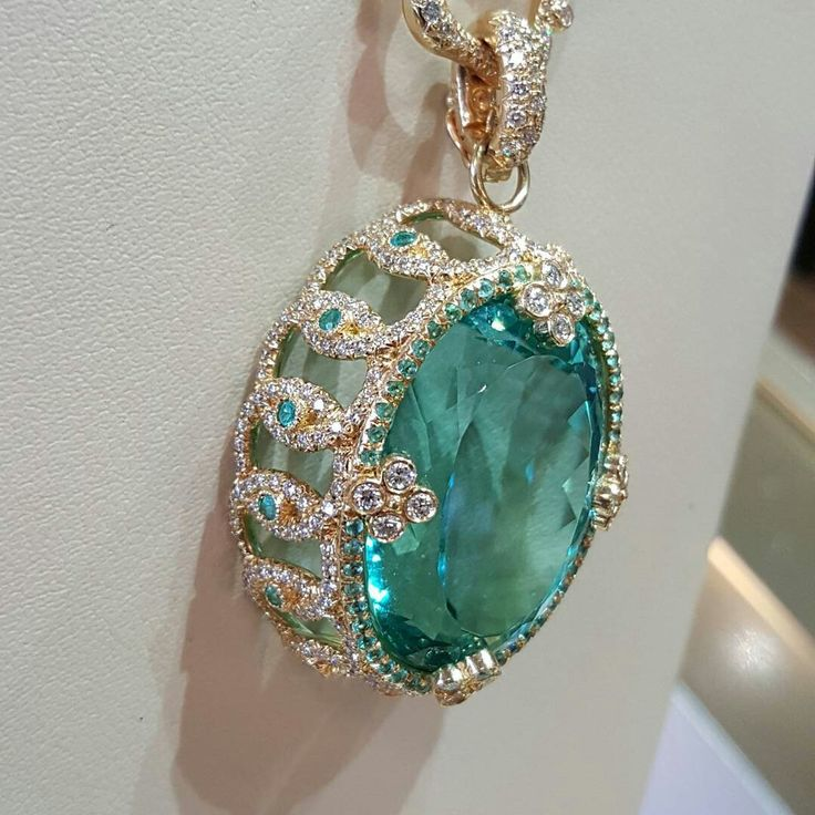 This 50ct unheated natural Blue Tourmaline was the crown jewel of today's impromptu @ericacourtneyjewels show at Jack Lewis. No filter necessary with this gorgeous creature. Absolutely stunning gem perfectly accented by Erica's amazing design. #Tourmaline #EricaCourtney #JackLewisJewelers