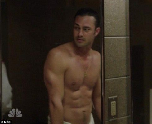 Lady Gaga's boyfriend Taylor Kinney shows off his abs on Chicago Fire | starcasm.net