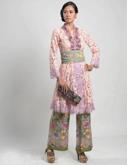 Model Kebaya Wisuda Anne Avantie Baby Pink Roekmini