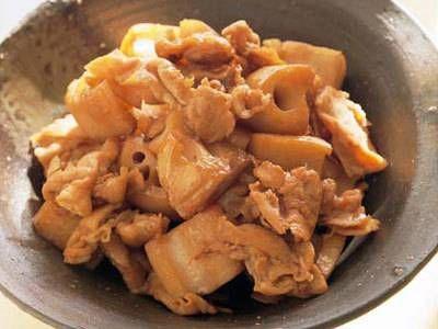 豚肉とれんこんの炒め煮〜れんこんの食感がたまらないご飯のすすむ一品です。同じ味付けで、牛肉や鶏肉、ごぼうなど応用自在なレシピです。