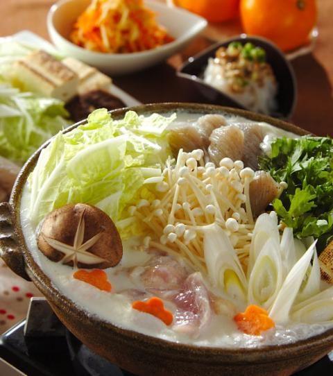 今日の献立は「鶏肉と野菜のミルク鍋」 - 【E・レシピ】料理のプロが ... メインは牛乳で作る鍋! 副菜は簡単にできるのが嬉しい2品! 鶏肉と野菜のミルク鍋