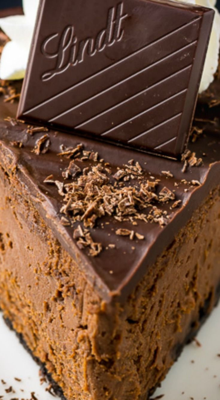 Chocolate Mascarpone Cheesecake ~ Rich and Creamy Chocolate Mascarpone Cheesecake!