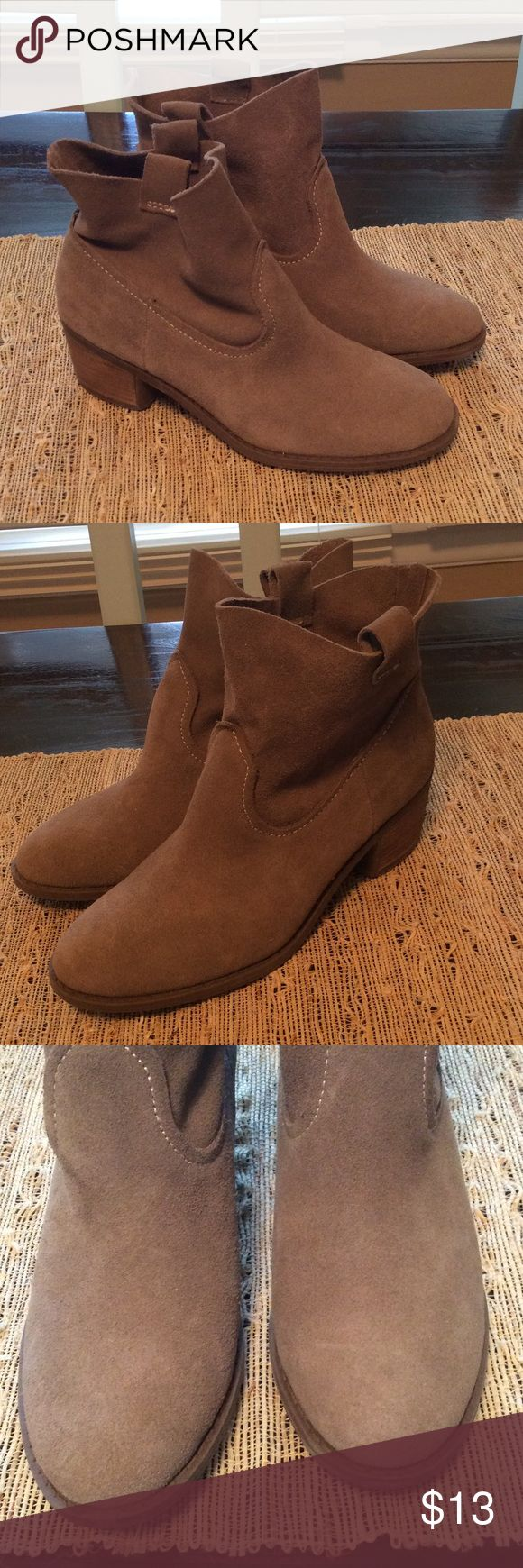 Brown Suede Ankle Boots - worn twice! I bought these at Marshall's (brand is Carlos by Carlos Santana) for $32. I tried them on with thin socks, and they fit ok, still a bit tight. I am a pretty true size 9. These were listed as a 9, but I really think these are more of a 8 or 8.5. I decided that they were just a bit too tight after wearing them twice. There are no discolorations in person and are very clean! I would definitely keep them if they fit, but since I am moving, they gotta go :)…