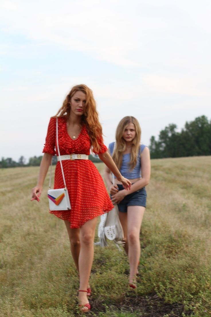 Blake Lively & Chloë Grace Moretz in Hick. Finally, a movie me and @Wil Lau Brooks can agree on