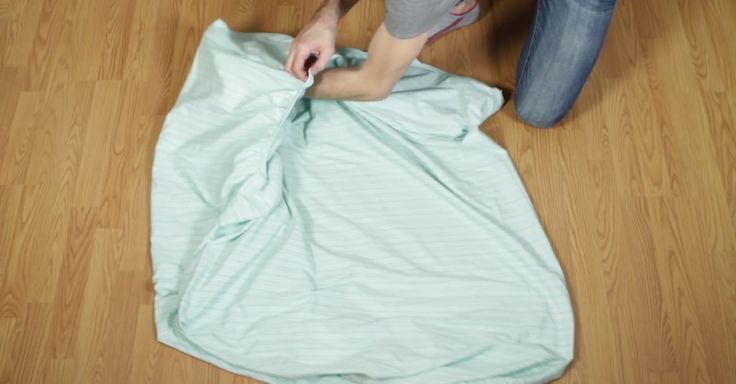 If You�ve Ever Suffered The Challenge Of Folding A Fitted Bed Sheet, This Video For You via LittleThings.com