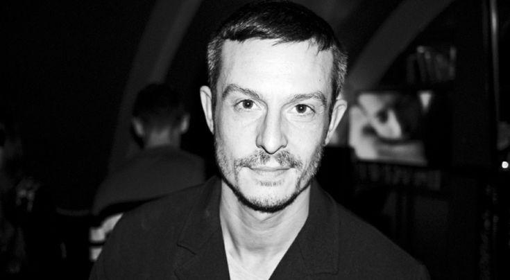 Джонатан Сондерс оставляет пост креативного директора DVF http://www.trendspace.ru/moda/dzhonatan_sonders_ostavlyaet_post_kreativnogo_direktora_dvf/