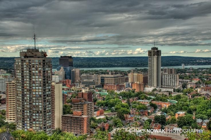Hamilton, Ontario, Canada   by Ralf Nowak, via 500px.