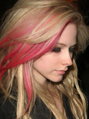 Avril Lavigne- blonde and pink hair