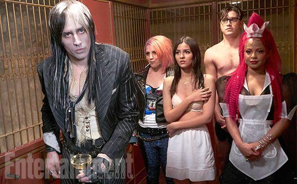 Rocky Horror Picture Show | Victoria Justice aparece de roupas íntimas em clipe | Observatório do Cinema