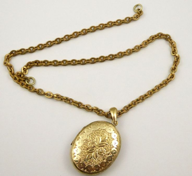 Antique Gold Plated Oval Photo Locket Pendant and Chain - The Collectors Bag