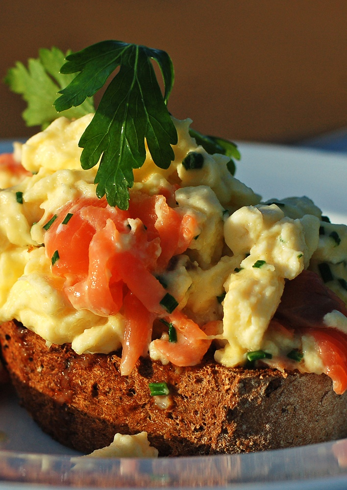 Scrambled eggs with smoked salmon | For the taste buds | Pinterest