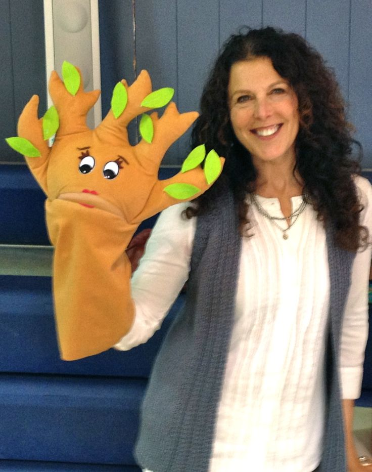 Treena joins me at St. Hilary School in Tiburon, CA for Earth Day 2013. I donated $300 of my honorarium to Ocean Conservancy on behalf of the St. Hilary students.