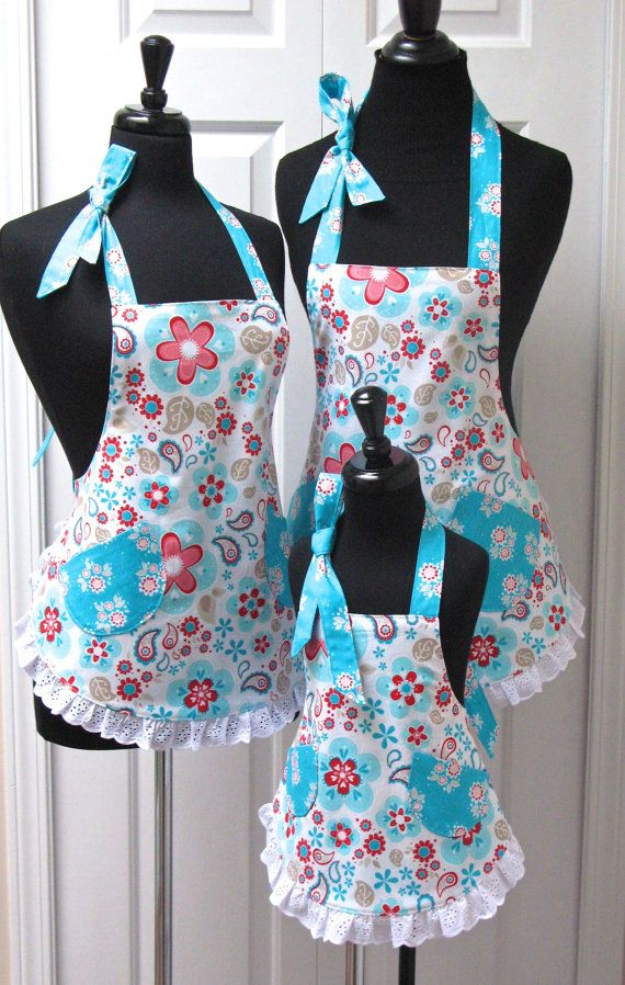 Reversible Mommy & 2 Daughters Retro Apron Set Paisley Flowers and Turquoise with Eyelet