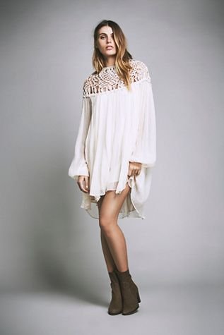 { Free People Macrame Mini }