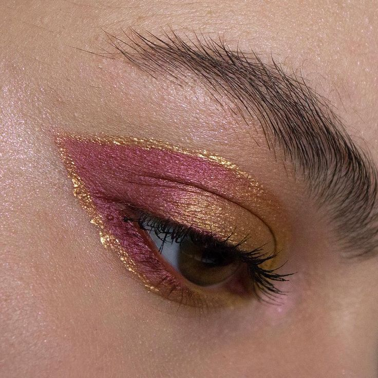 """THESE COLORS 286 Likes, 4 Comments - Tiana (@nowlosingsanity) on Instagram: """"I haven't done a look in about two weeks and for my first time throwing something on my face in…"""""""
