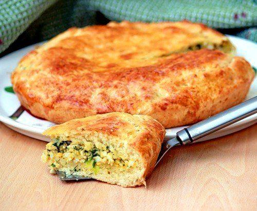 Пирог с зеленым луком и яйцом - Kurkuma project (Проект Куркума) Самый мой любимый пирог! Яйца с луком - невероятно вкусная начинка. А тесто по этому рецепту долго остается мягким и не черствеет. Хотя съедается пирог сразу же! :)