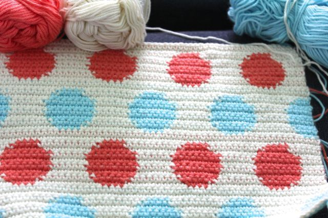 polka dot tapestry crochet - chart and instructions by llittle woollie