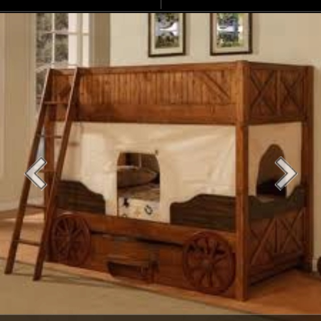 Wagon bunk beds