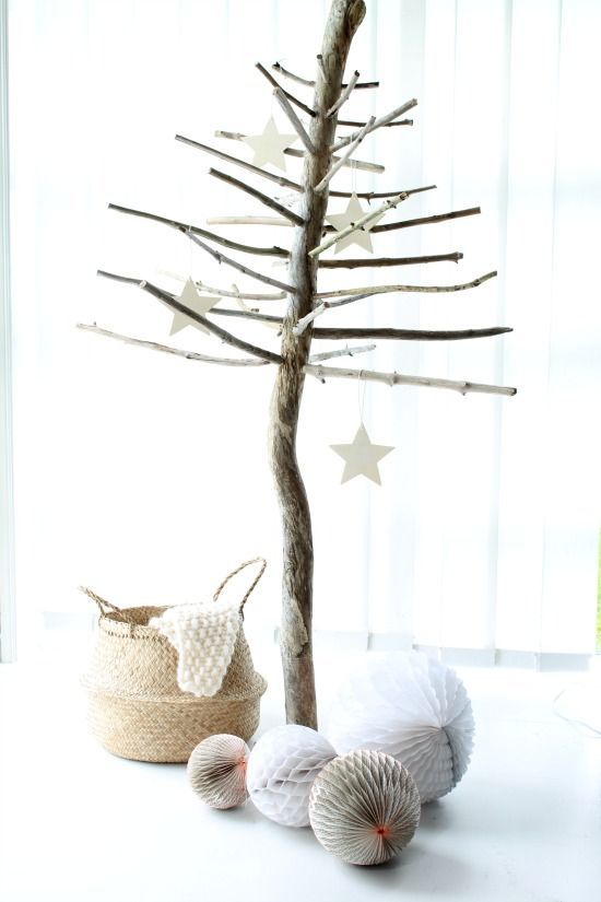 Passion Shake | 22 Natural Christmas ideas | http://passionshake.com alternative christmas tree made from branches