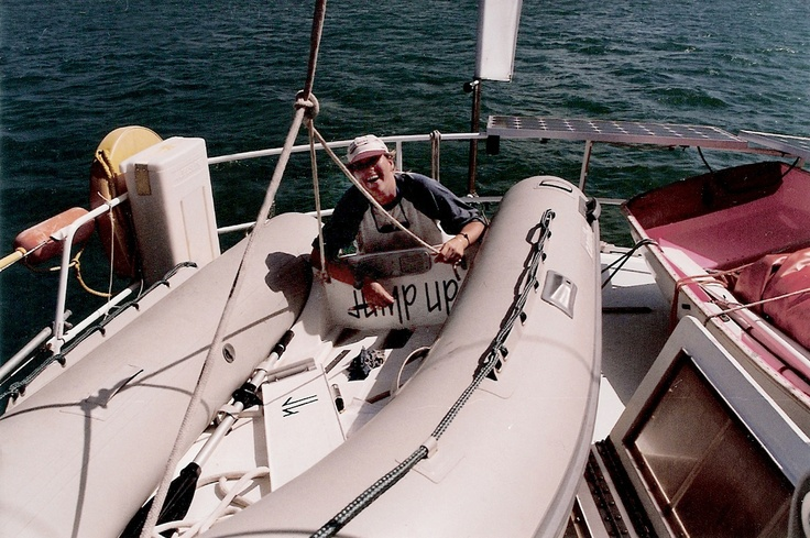 Marking the new dinghy of Jump Up