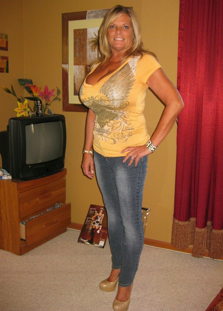 """elmsford milf women Innovative, independent, with individuality are the words that best describe  meshelle """"the indie-mom of comedy"""" with a style that makes you stop and in ."""