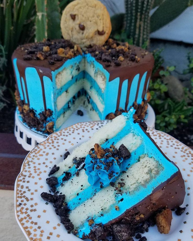 """2,614 Likes, 38 Comments - Creme & Sugar (@cremeandsugaroc) on Instagram: """"Remember our Cookie Monster Cake? Well... we put an ice cream spin on it and now have a Cookie…"""""""
