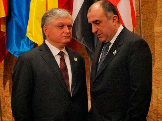 El ministro de Relaciones Exteriores azeri Elmar Mamadyarov y su homólogo armenio, Eduard Nalbandian, se preparan para reunirse en París para continuar las conversaciones sobre el llamado conflicto de Nagorno-Karabaj.