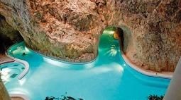Barlangfürdő   Miskolctapolca Barlangfürdő ****