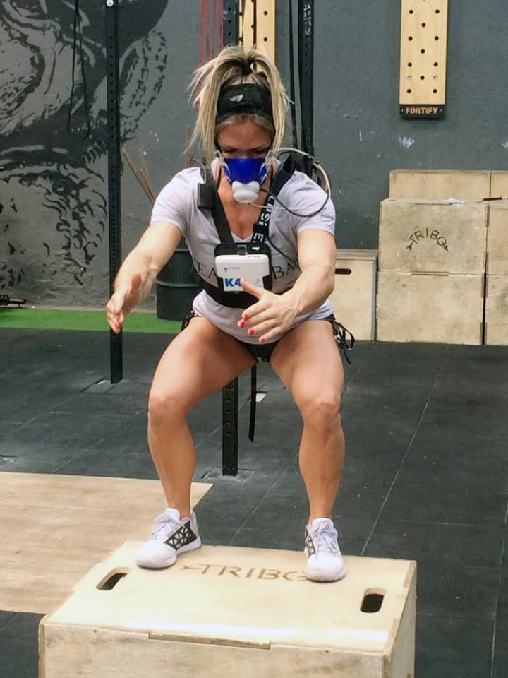 Measuring the metabolic response of cross-fit training for Brazilian athlete Joyce Sanches wearing COSMED K4b2 #crossfit