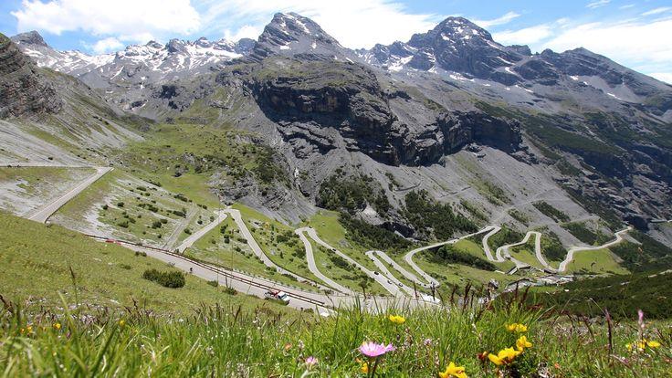 Traumhaftes Panorama für Motorradtouren in Tirol