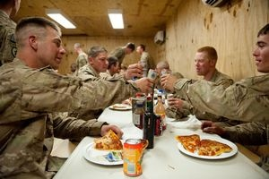 US troops celebrate 11th Independence Day in Afghanistan with delivered pizzas, thanks to Pizzas 4 Patriots.Inspiration, Heroes, Military Pride, Troop Celebrities, Afghanistan, 4Th Of July, United States Army, Military Life, The Roller Coasters