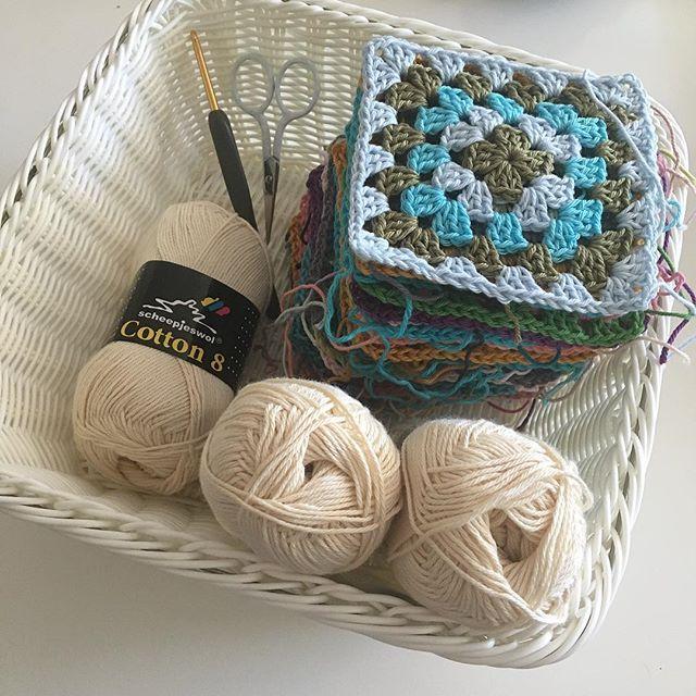 All squares done for my scrappy granny blanket 🙌🏻 Ready to join! . Alla rutor till min restgarns-mormorsrute-filt är klara 🙌🏻 Nu är det dags att virka ihop dem! . #mijocrochet #favoritgarner #scheepjes #scheepjescatona #scheepjescotton8 #grannysquare #mormorsrutor #crochetblanket #virkadfilt 🌿