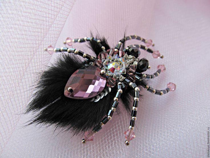 """Купить Брошь-паук """"My Emancipation"""". Вышитая брошь с мехом - цвет аметист, брошь"""