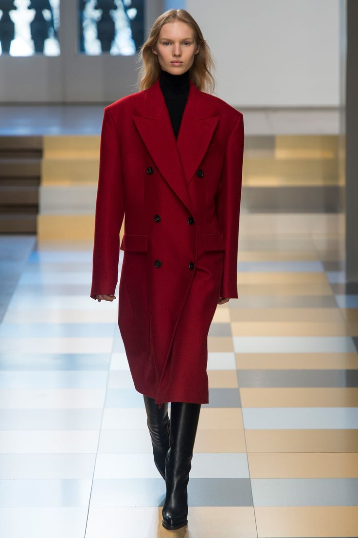 http://www.vogue.com/fashion-shows/fall-2017-ready-to-wear/jil-sander/slideshow/collection