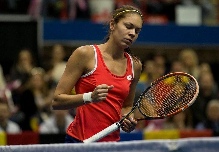 **Andreea Mitu a produs o surpriză uriaşă la Paris.** A învins-o pe Karolina Pliskova şi s-a calificat în turul 3