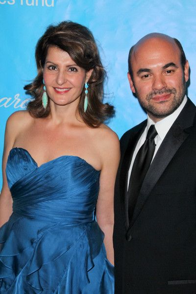 What do Nia Vardalos and husband Ian Gomez have in common? Both Second City alumni.
