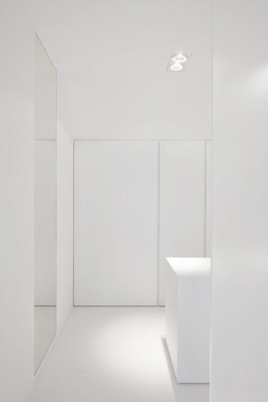 http://www.powderyellow1.com/#!spazio-bianco3645/ccrh  このような中で一際映えるSpazio Bianco 35/45の世界観。# トール収納家具!
