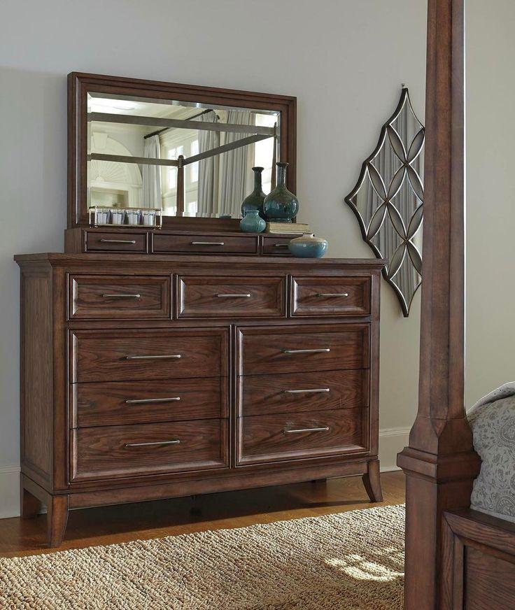 Elegancia con detalles ricos y líneas limpias es nuestra cómoda con espejo #Mardinny   #AshleyFurnitureHomeStore #estilo #muebles #accesorios #decoración #diseño #otoño #Dormitorio #Velador --- B646-31 Dresser B646-37 Bedroom Mirror