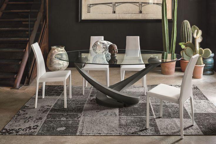 Tavolo ovale con piano in vetro per cucina moderna