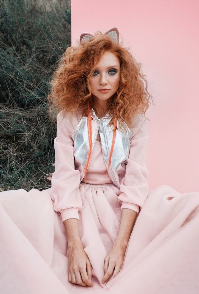 Классическая куртка бомбер с эластичными манжетами на рукавах, горловине и по низу куртки. Бомбер декорирован  элементами из эко-кожи цвета металлик.  Застежка на молнию, с шелковым подкладом.  #bomber  #pink #campaign #photo #рожевозалежна #ukrainianbrand #ukrainiandesigner #madeinukraine #JuliaGurskaja #JuliaGurskaja_designer #fashionbrand #fashiondesigner #boutique #lookbook #trend #shopping #ЮлияГурская