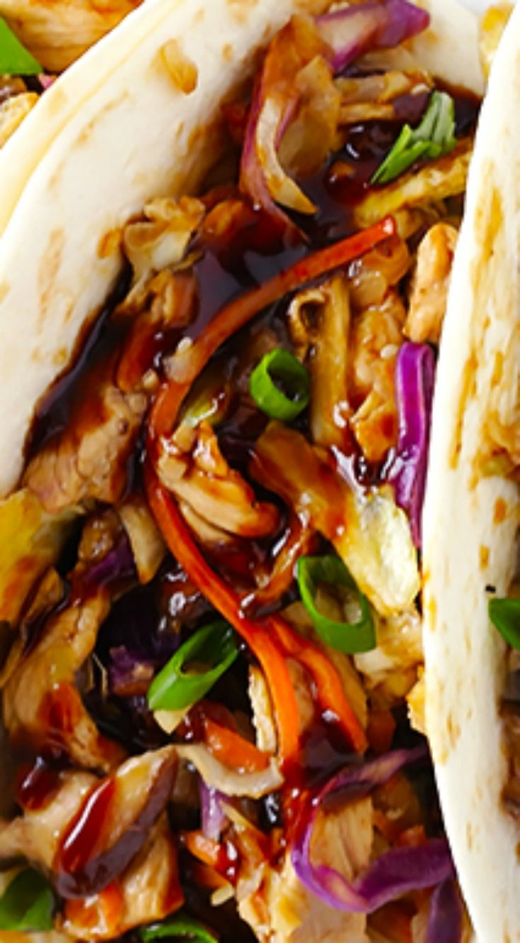 20-Minute Moo Shu Pork (or Moo Shu Chicken!) ~ Quick and easy to make, full of fresh and delicious flavors, and it tastes just as good as the restaurant version!